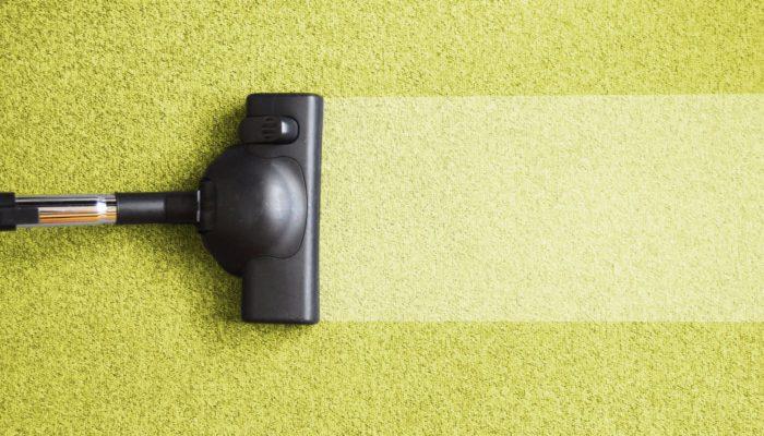 Как почистить ковер без пылесоса